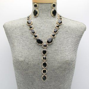 Jewelry - Black Crystal Pendant Necklace Set